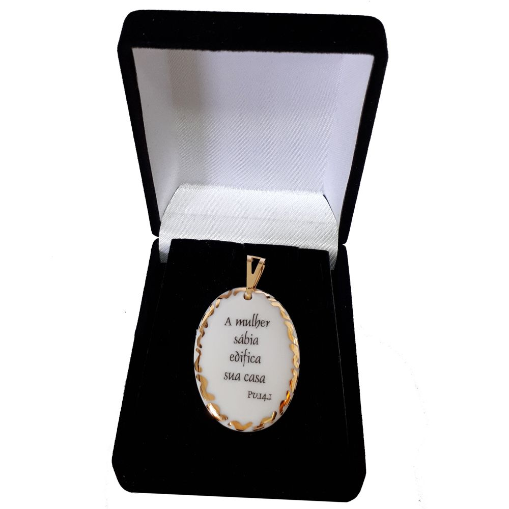 Pingente Medalha versículo borda ouro A mulher sábia edifica sua casa