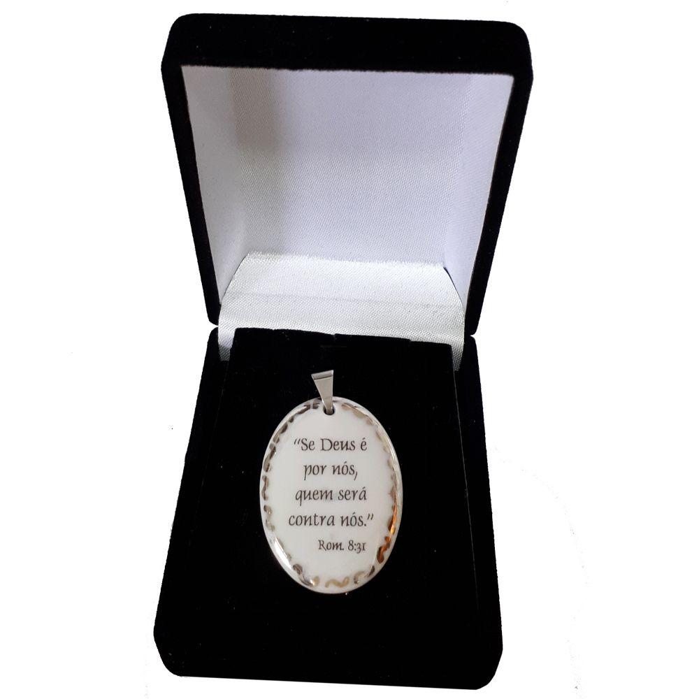 Pingente Medalha versículo borda ouro branco Se Deus é por nós quem será contra nós ouro branco