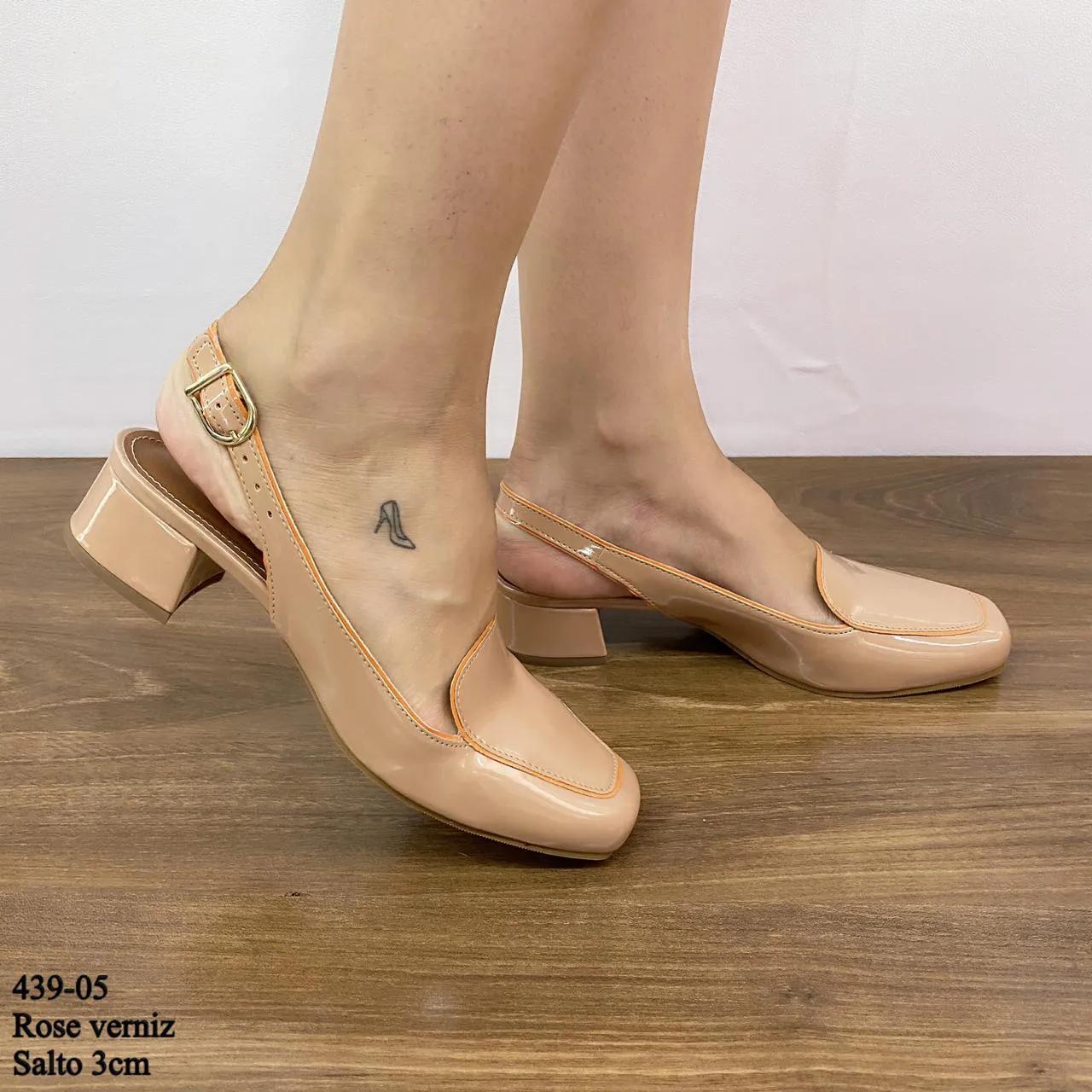 Chanel Bico Quadrado Rose Verniz  D-439-05