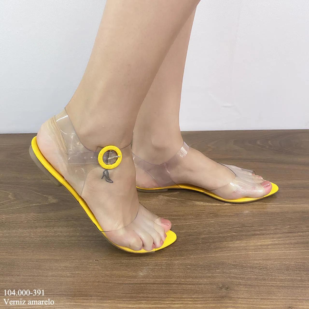 Rasteirinha Amarelo Verniz | D-104.000-391