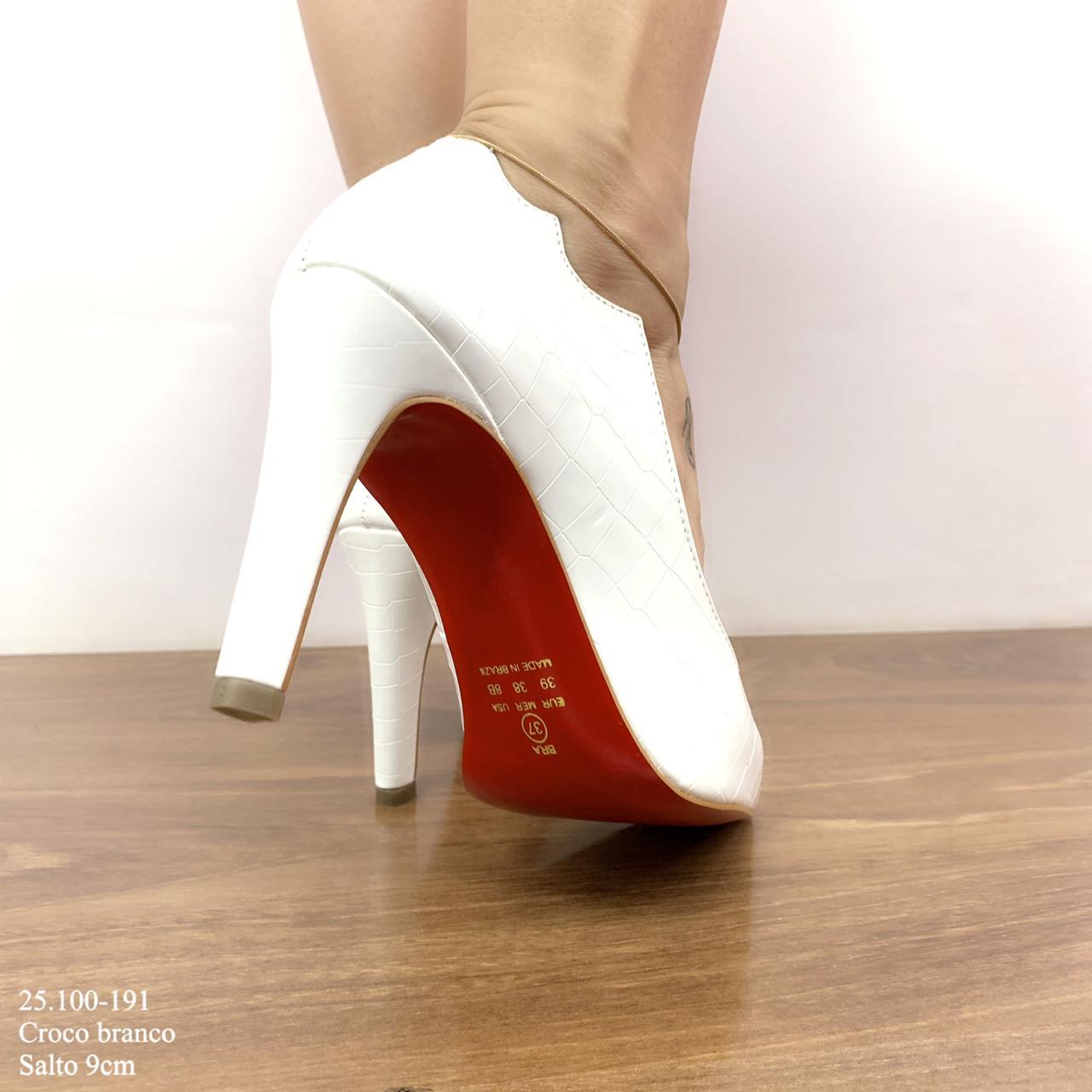 Scarpin Branco Croco Sola Vermelha | D-25.000-97