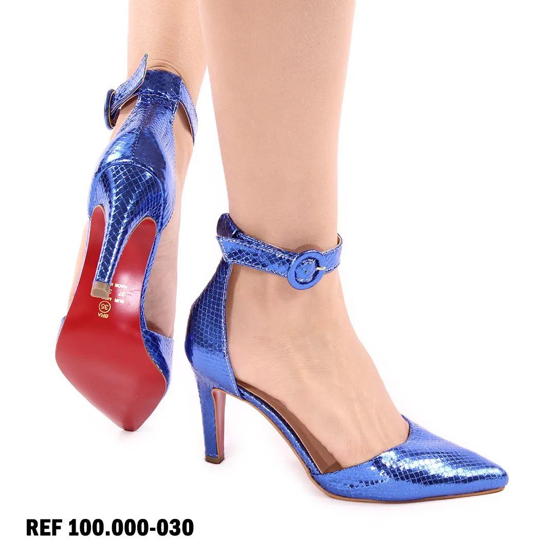 Scarpin escama azul com sola vermelha | D- 25.000-30