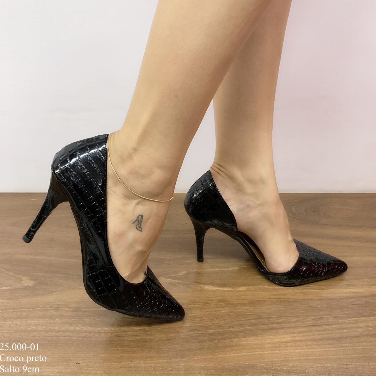 Scarpin Feminino Preto Croco | D-25.000-01