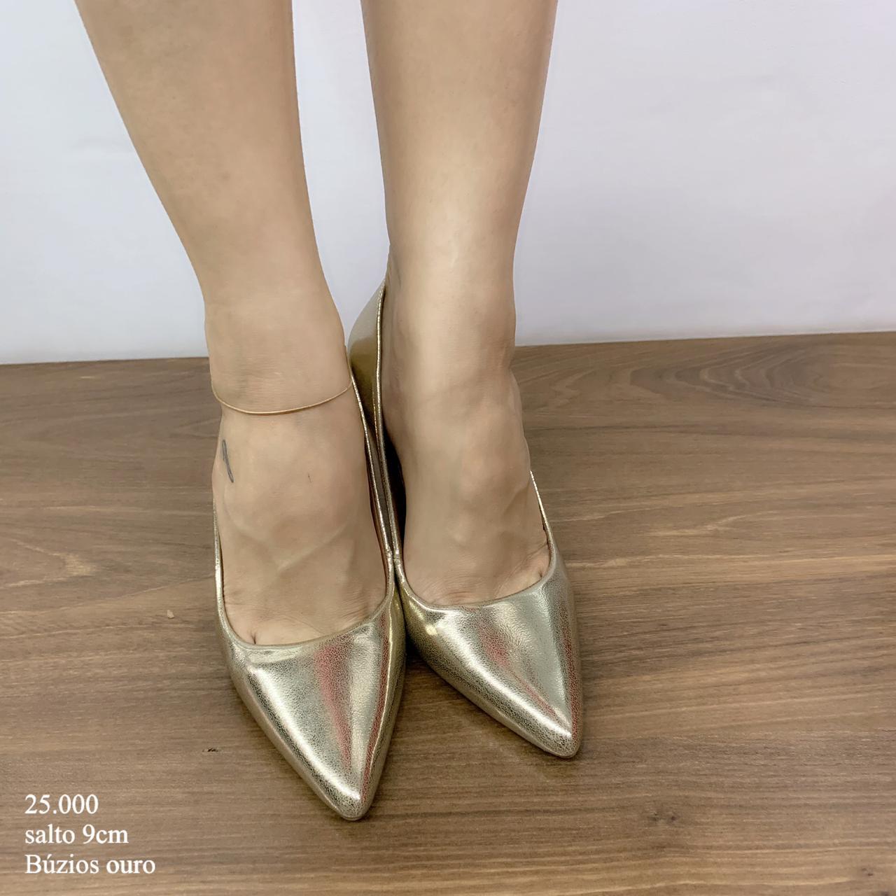Scarpin Salto Alto Ouro | D-25.000-39
