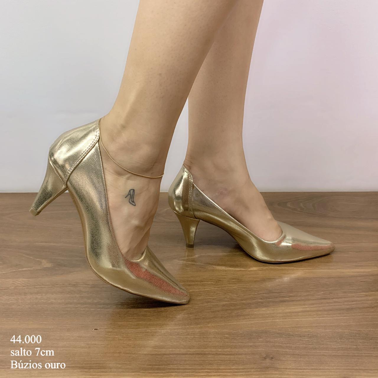 Scarpin Ouro Búzios   D-44.000-38