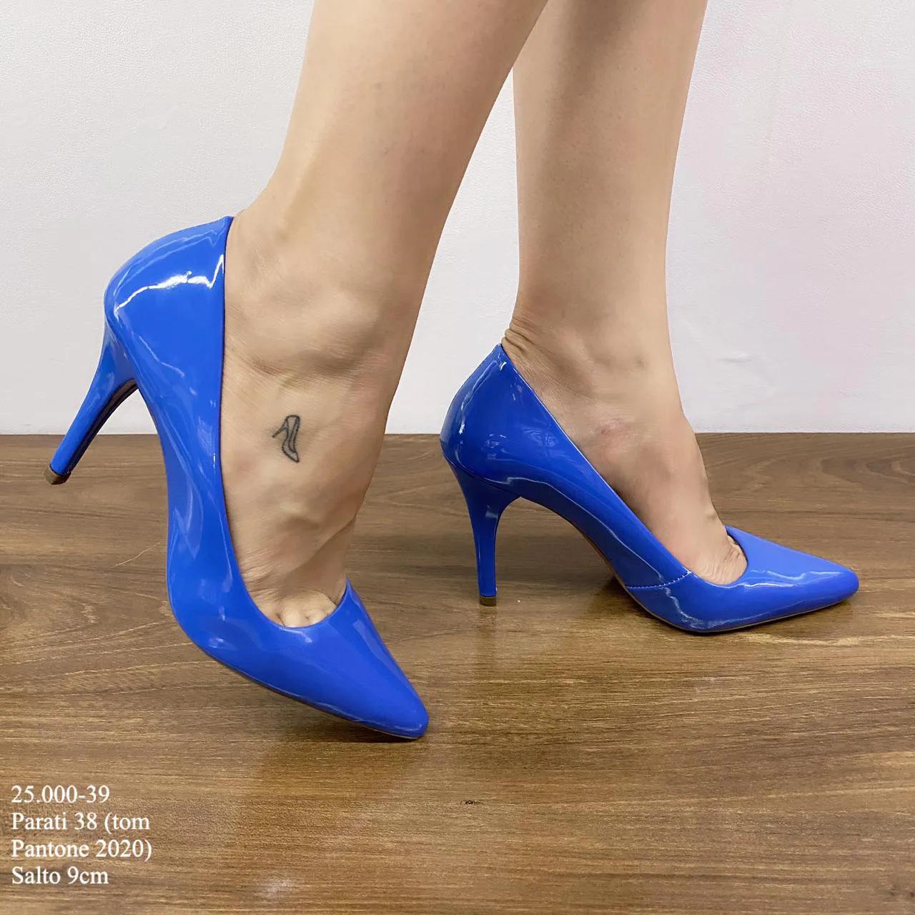 Scarpin Azul Pantone 2020   D-25.000-39