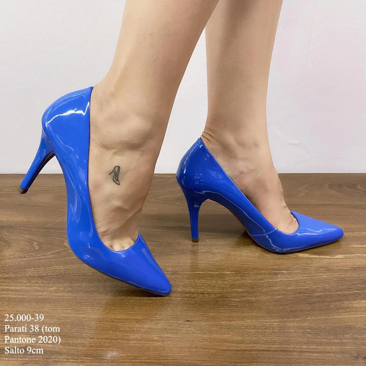 Scarpin Azul Pantone 2020 | D-25.000-39