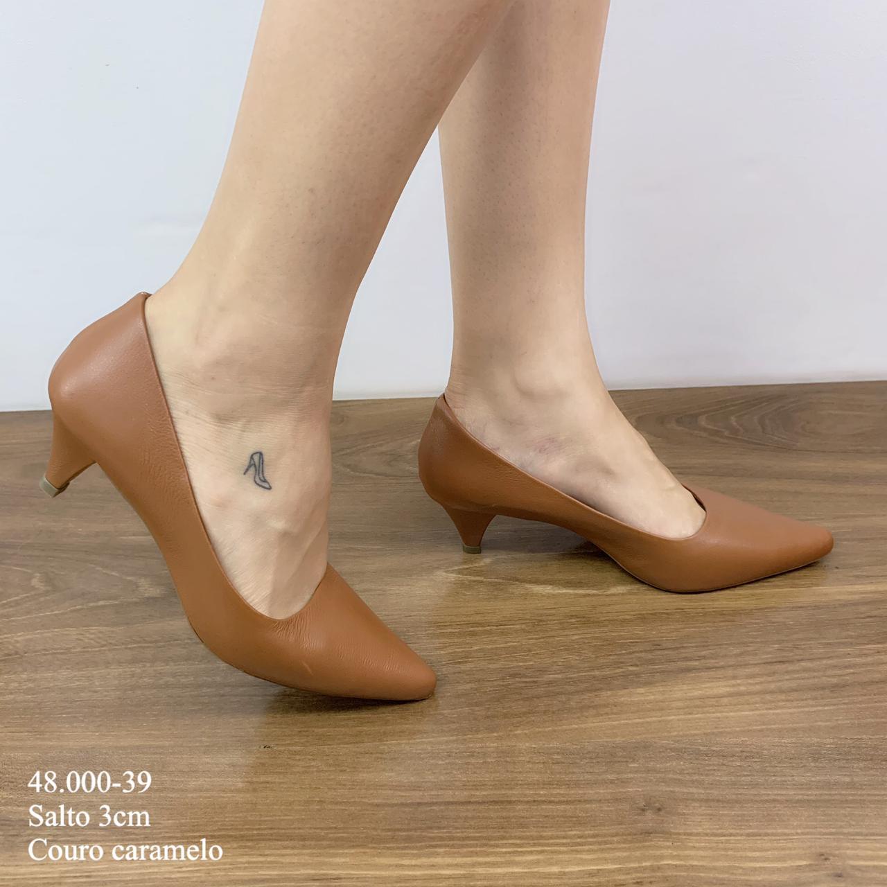 Scarpin Salto Baixo Caramelo Couro | D-48.000-39