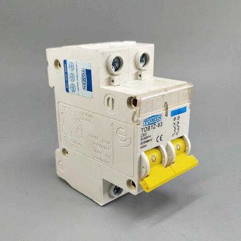 Disjuntor DC/CC 10A 600V Bipolar P/ Painéis Solar / Baterias