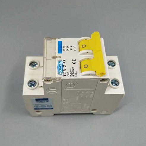 Disjuntor DC/CC 20A/600V Bipolar P/ Painéis Solar / Baterias