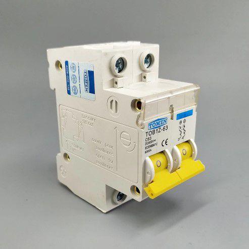 Disjuntor DC/CC 40A/600V Bipolar P/ Painéis Solar / Baterias