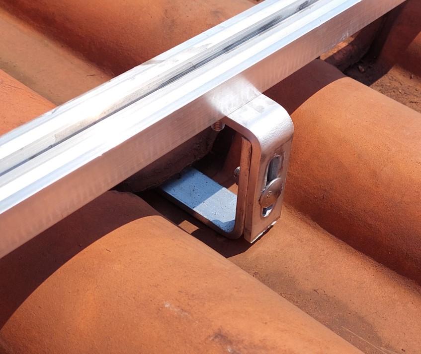 Fixador Gancho Estrutura Suporte P/ Perfil Painel Solar p/ Telha Colonial Alumínio 5F C/ 4un