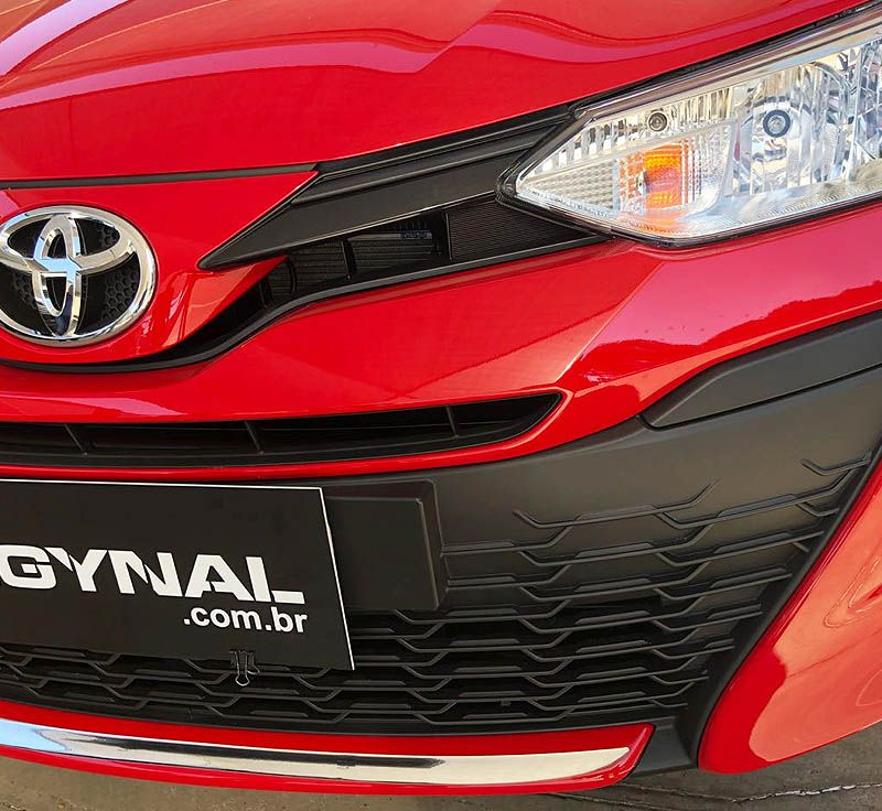 Friso Para-Choque Dianteiro Yaris Hatch Sedan 18/19 Resinado