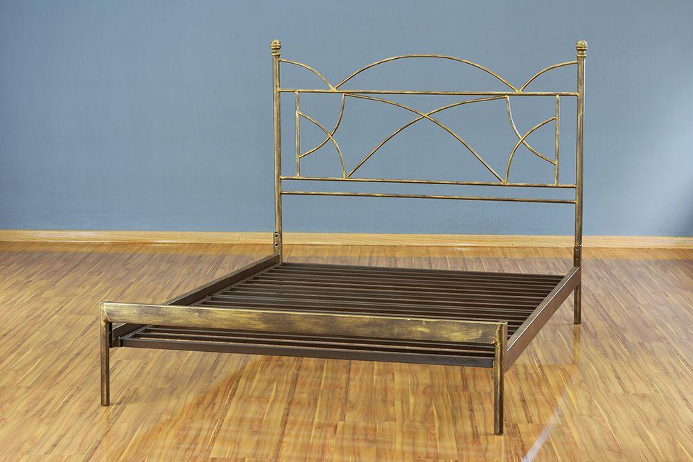 Cama de Ferro Arábia King Size Sem desenho da peseira