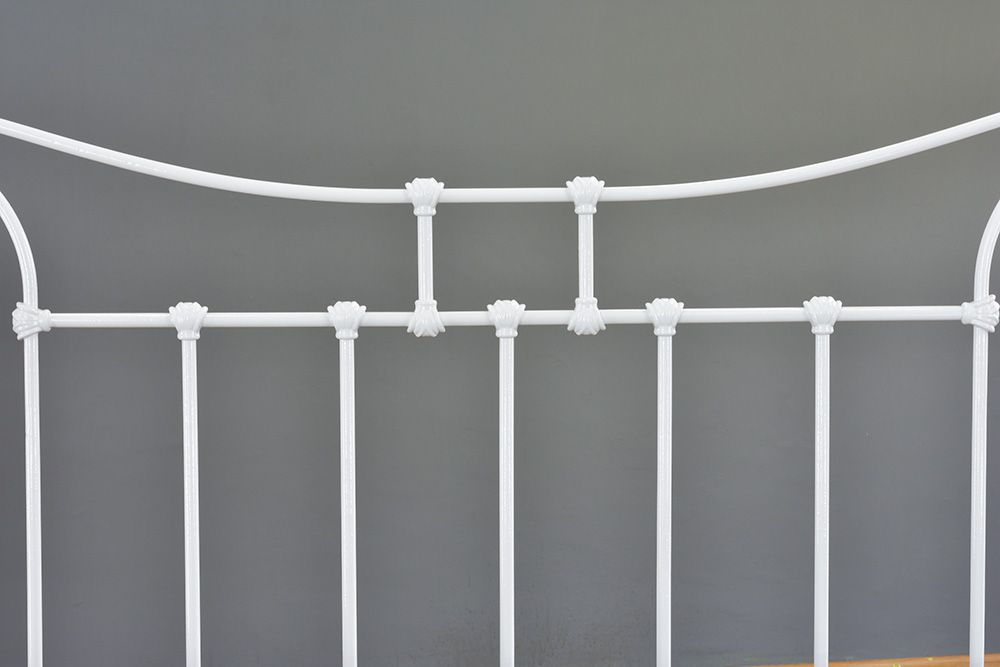 Cama de Ferro Francesa Viúva - Sem desenho da peseira - Branca