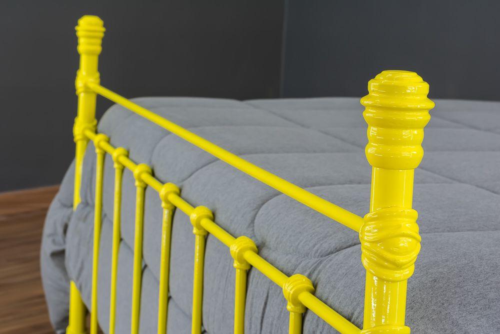 Cama de Ferro Luísa Casal Amarela