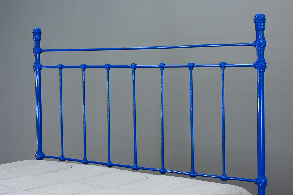 Cama de Ferro Luísa Queen Azul - Sem desenho da peseira