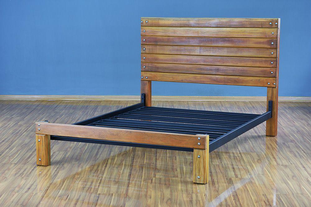 Cama de Madeira Maciça Wood - Casal - Sem Peseira