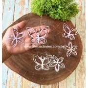 borboleta e flor estilizadas