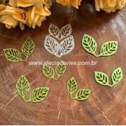 folhas vazadas delicadas