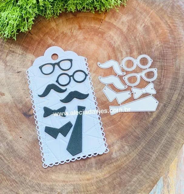 bigode gravata óculos