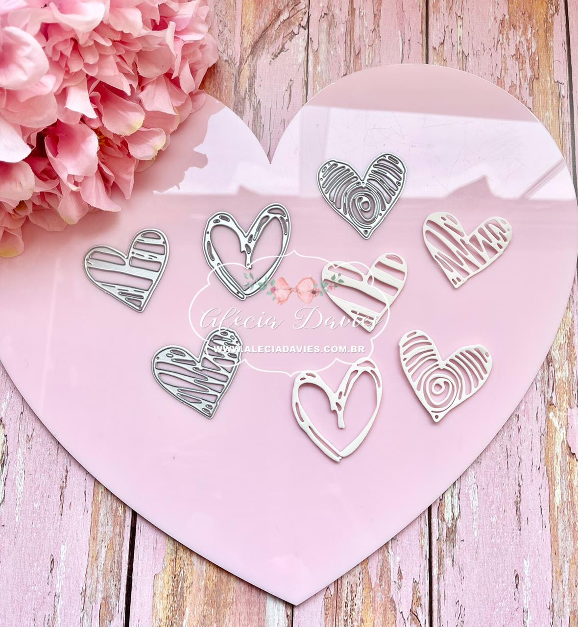 Quatro Corações vazados
