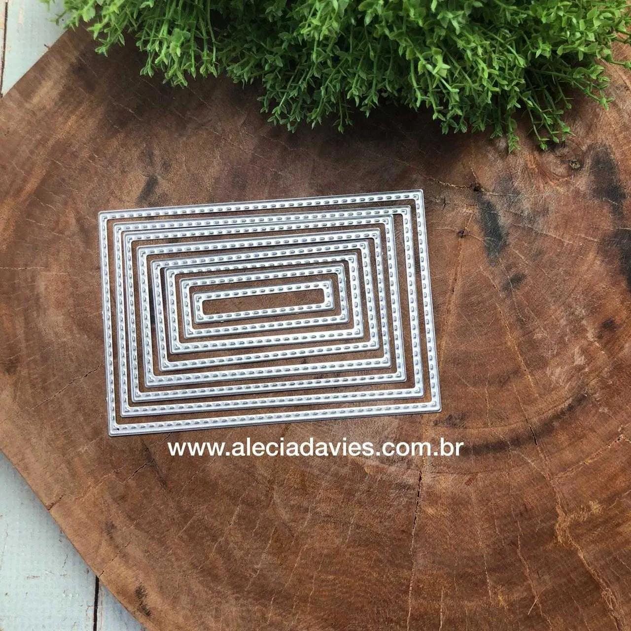 Retângulos com detalhes em costurinha