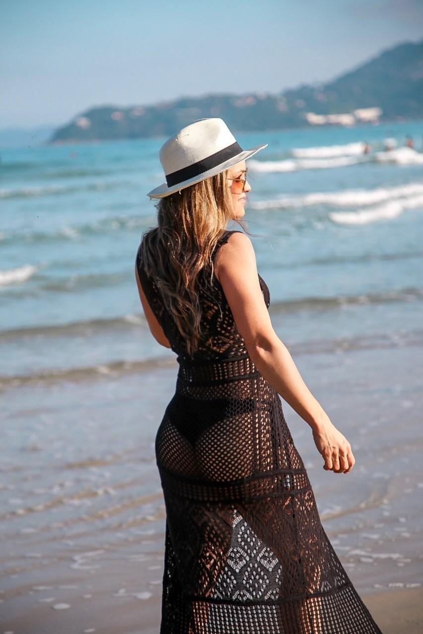 Saída de Praia Tricô Patena Tricot Botão Madrepérola Preta