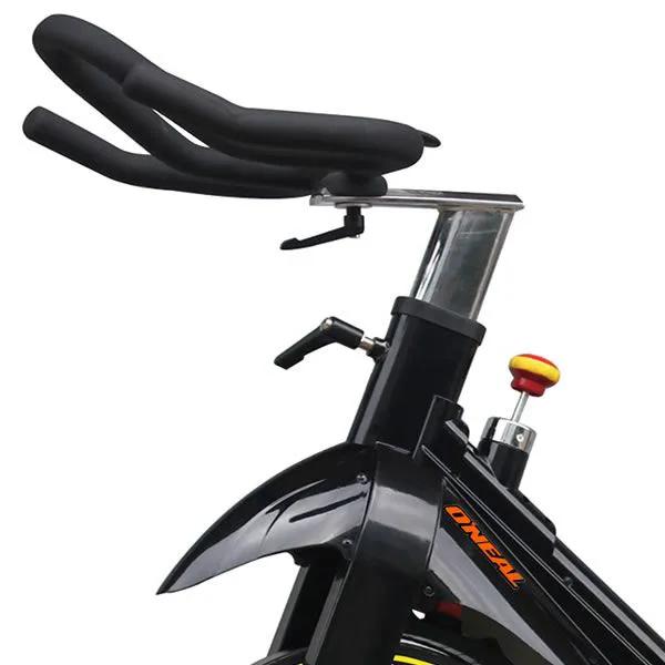 BIKE SPINNING PROFISSIONAL X8000 - DISCO 20KG - SUPORTA 160 KG - CONDOMINIOS E ACADEMIAS COMERCIAIS  - Evox Fitness Brasil
