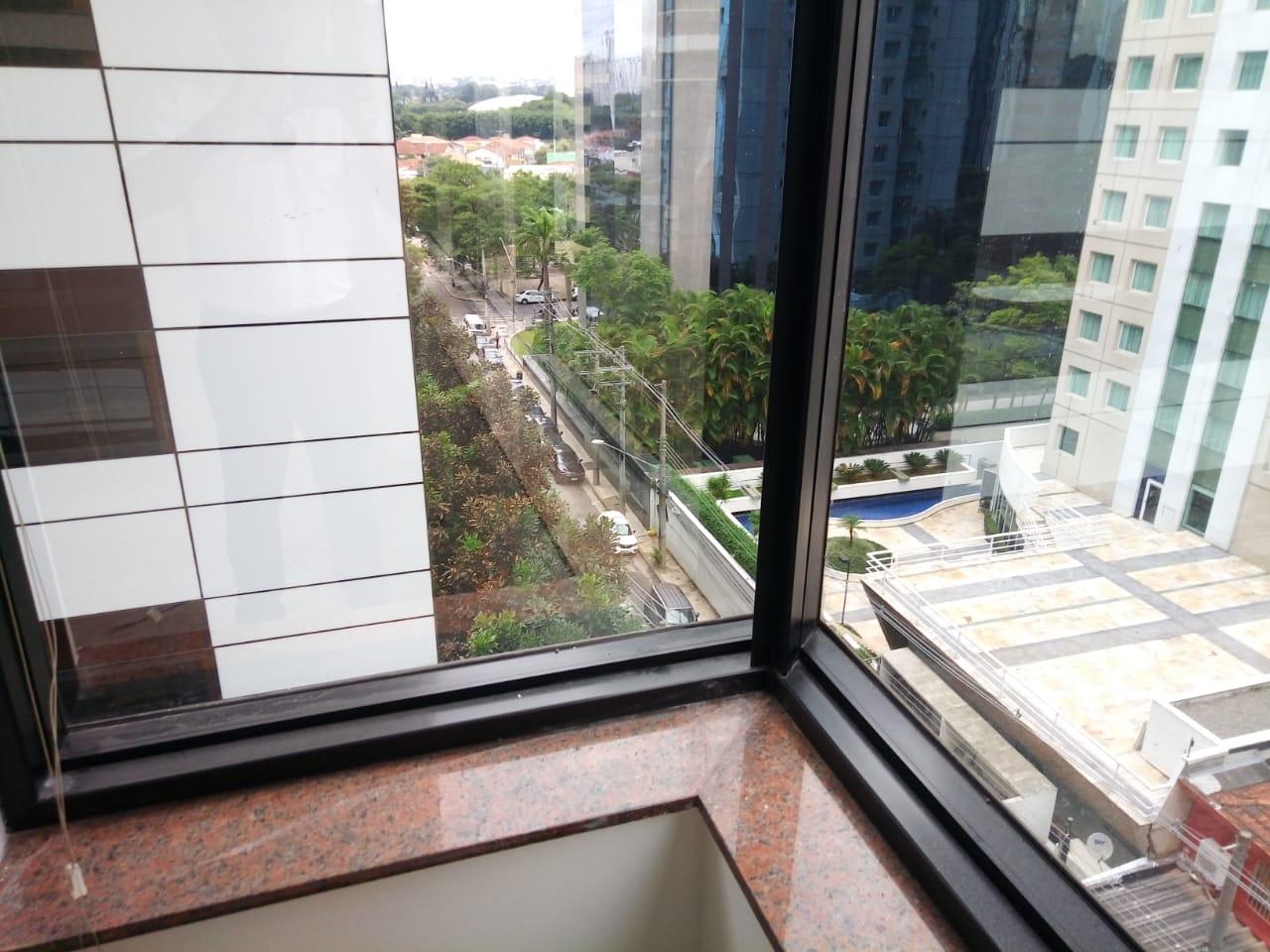 SÃO PAULO - SP - Sala Comercial 48,67m2, 02 Vagas na Garagem, Berrini