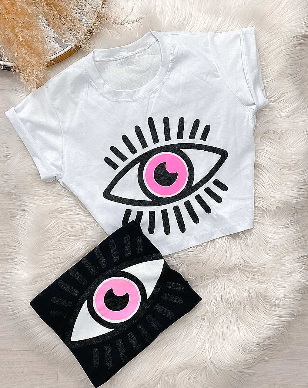 T-Shirt Cropped Feminina Olho Grego