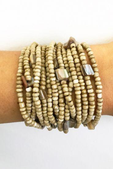 Bracelete De Miçangas Marfim Fecho Em Madeira