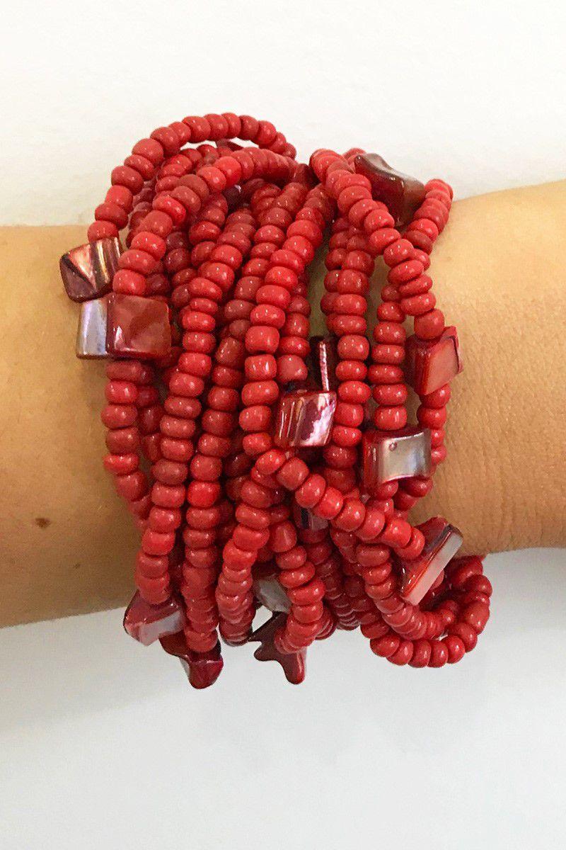 Bracelete De Miçangas E Madrepérola Vermelha Com Fecho Em Madeira