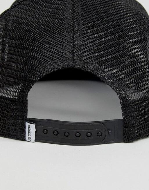 Boné Adidas Originals unissex trucker de aba reta AY9373