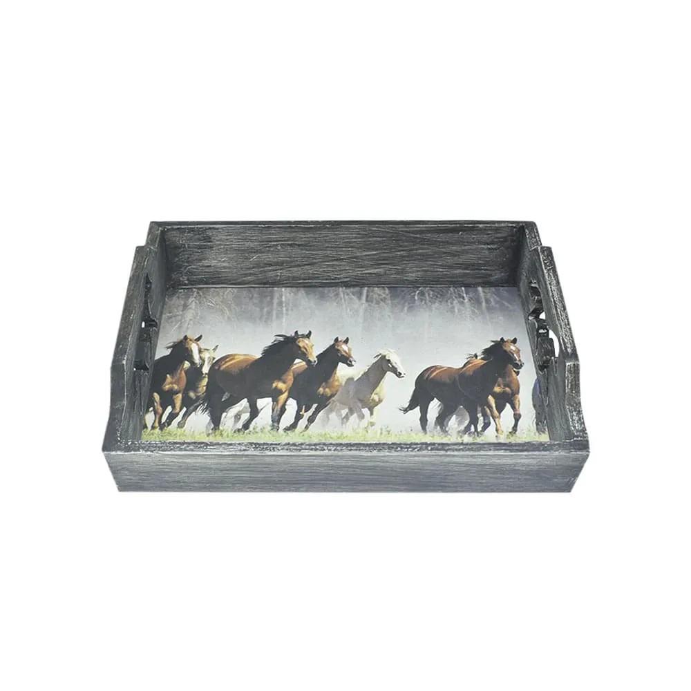 Bandeja de Madeira com Estampa de Cavalos