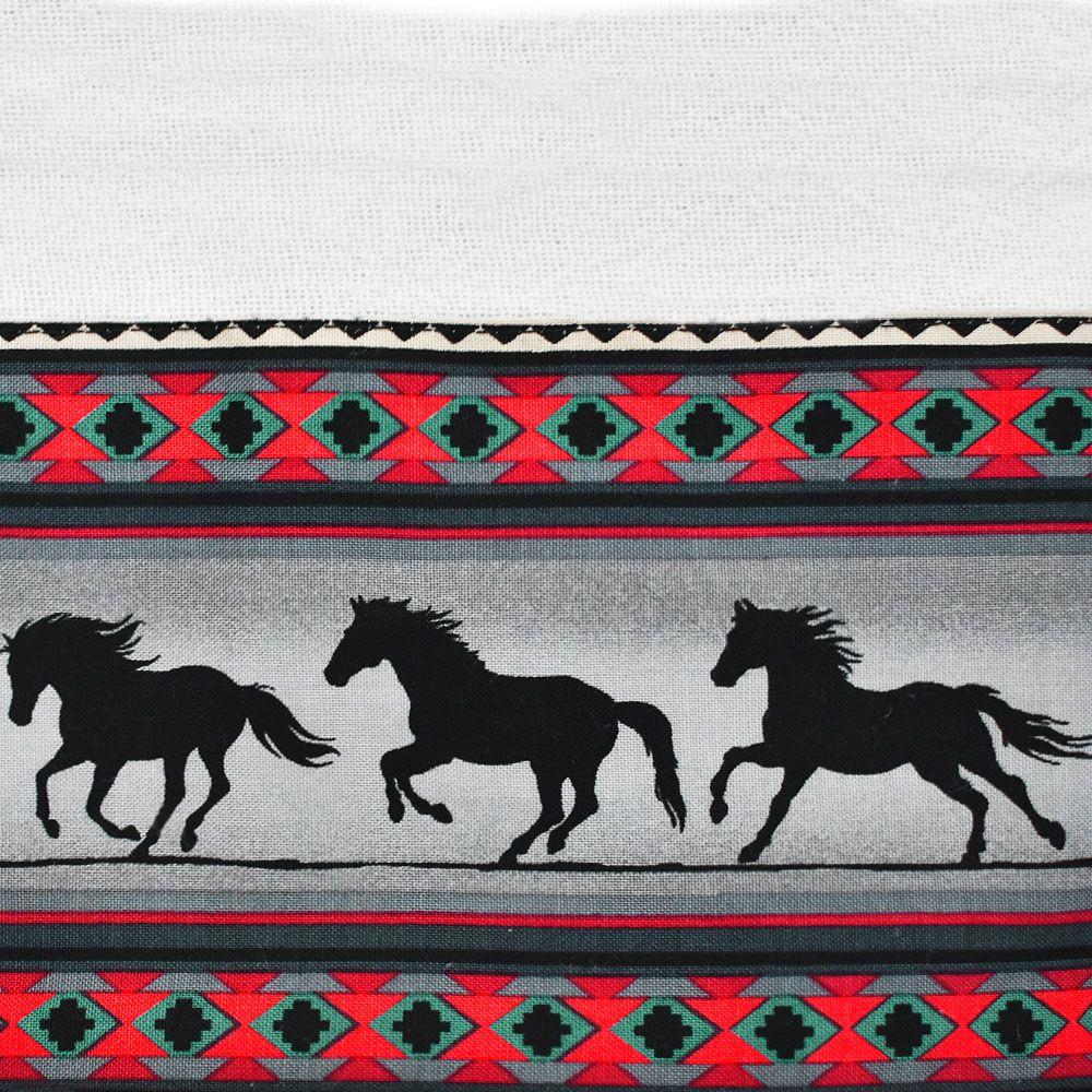 Pano de Prato Branco com Barrado Navajo Cavalos