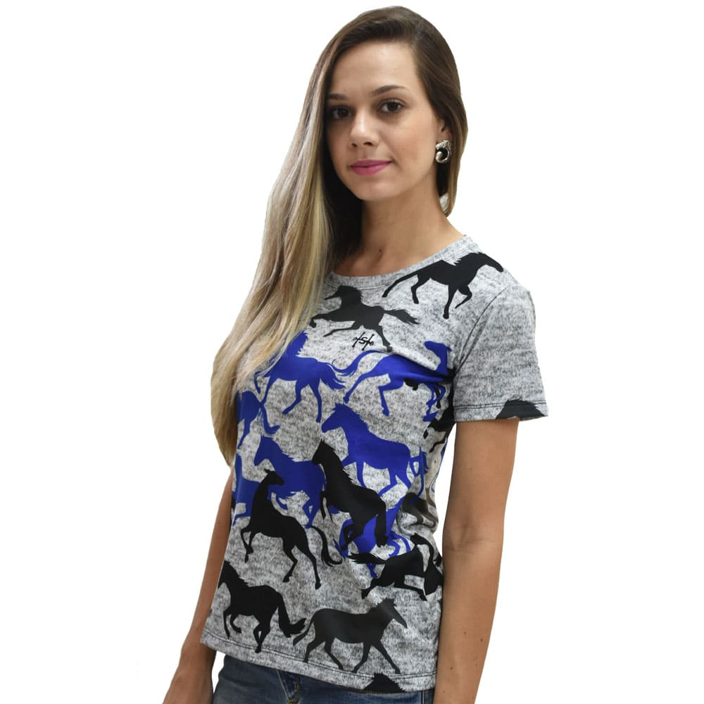 T-Shirt Heloisa Sá Cinza Estampa Cavalos Azuis e Pretos