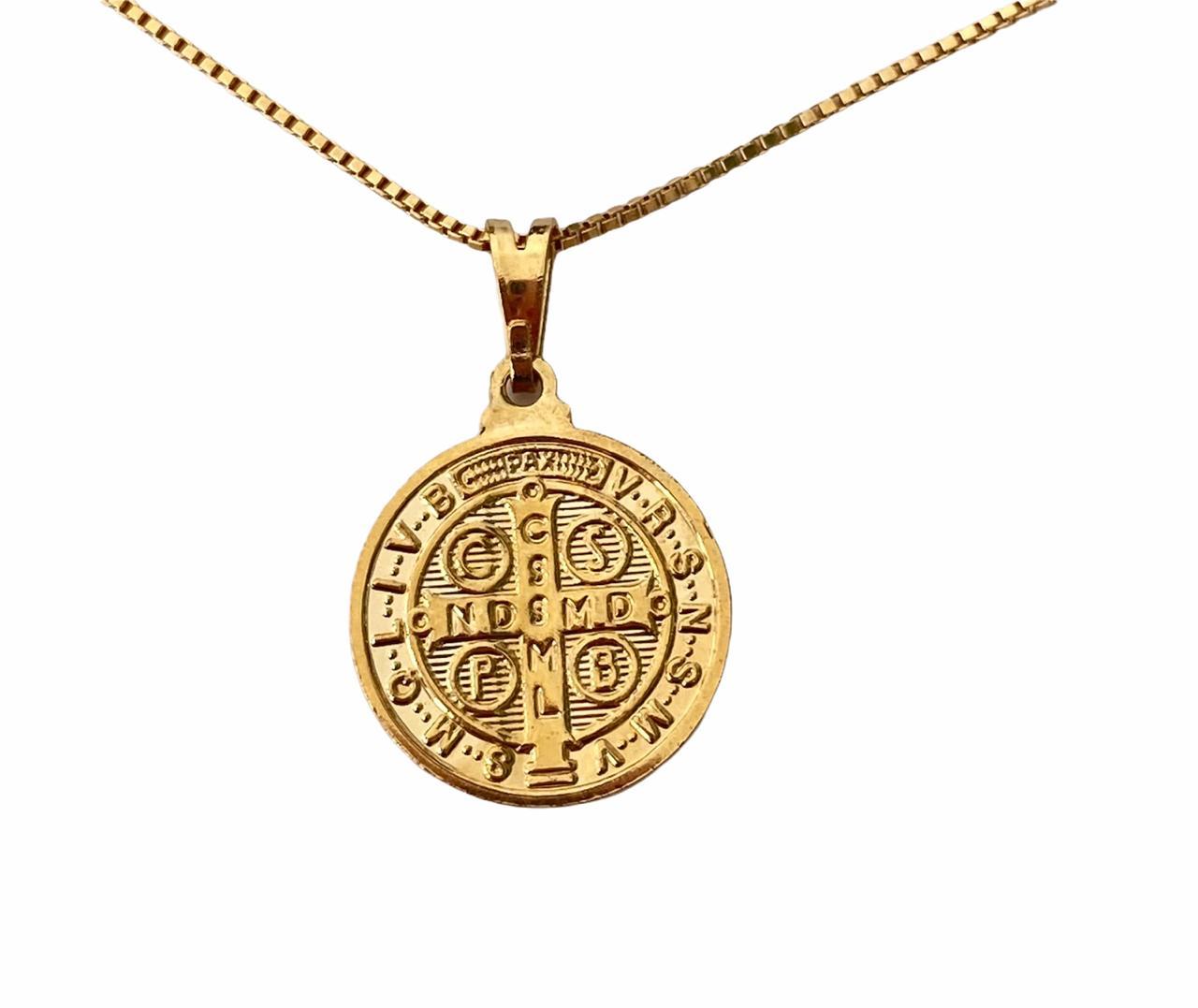 Colar Medalha de São Bento Banho em Ouro 18k