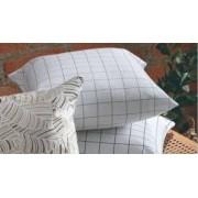 Almofada Quadriculada branco com Marinho 47x47 - Paloma Home