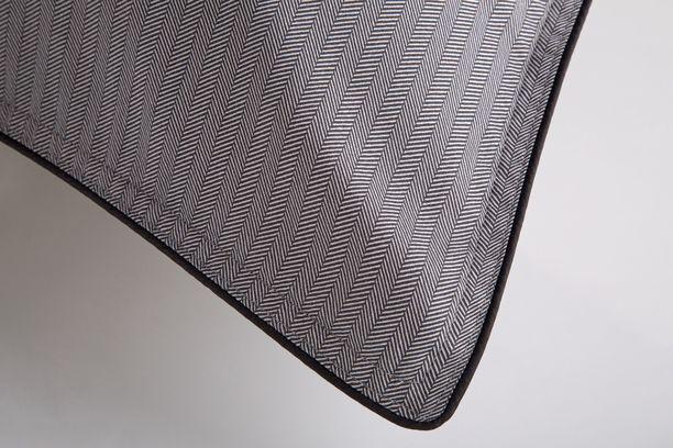 Fronha Egípcio 300 fios Preto & Branco 59St - By The Bed - Design Industrial
