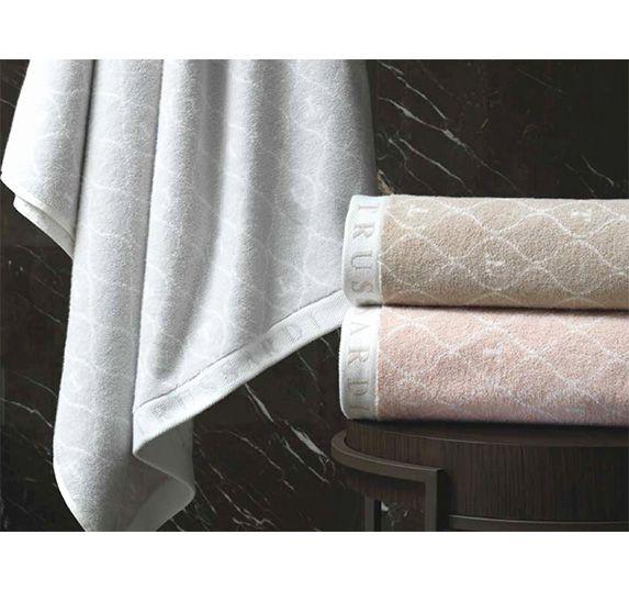 Jogo de toalha 2 peças Gelo Fio Duplo Trussardi Corpo e rosto Monograma Algodão Hotel Gramatura 540