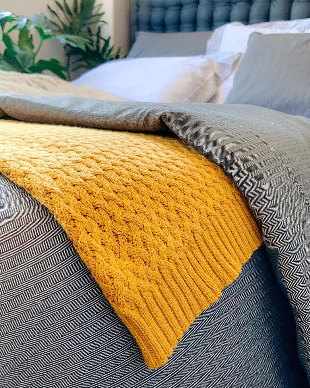 Peseira Amarela 70x2,20cm ByTheBed