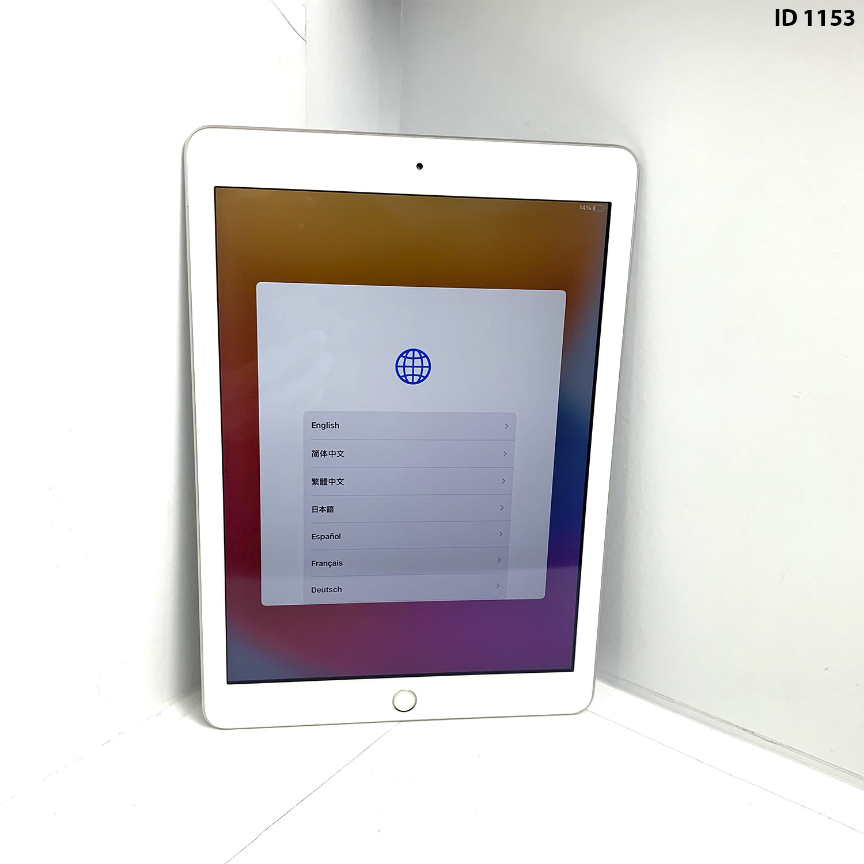 "iPad 9,7 ""5a geração Silver 32GB MP2G2LL/A Seminovo"