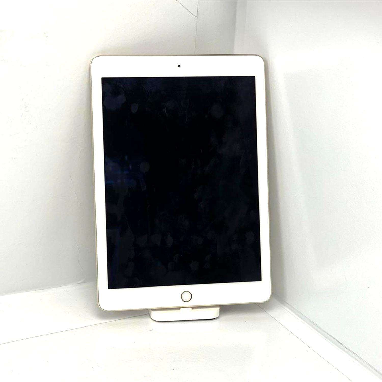 "iPad Air 9.7"" 2a geração Gold 64GB Gold MGLW2LL/A Seminovo"