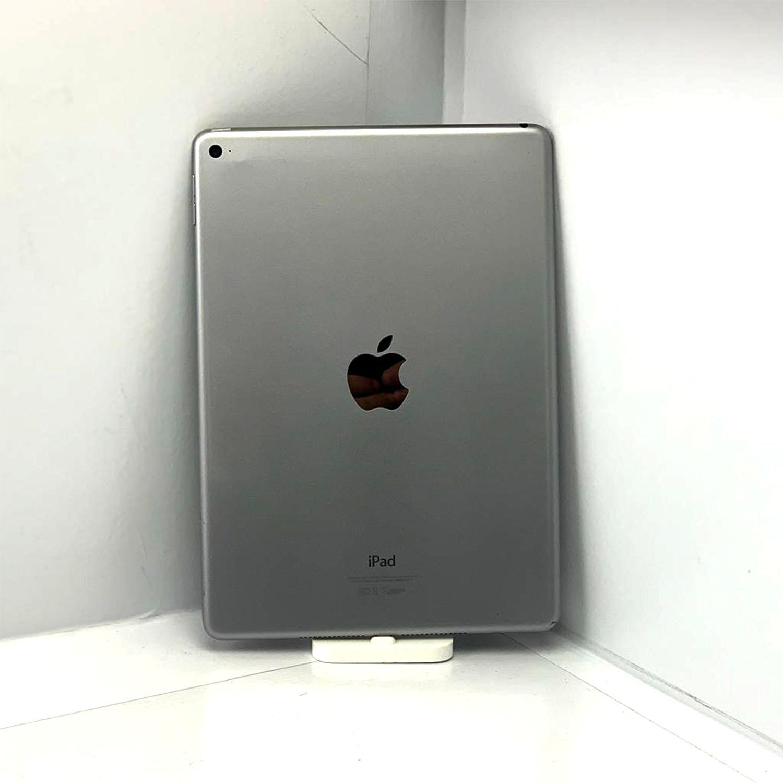 """iPad Air 9.7"""" 2a geração Space Gray 128GB Preto MH2V2LL/A Seminovo"""