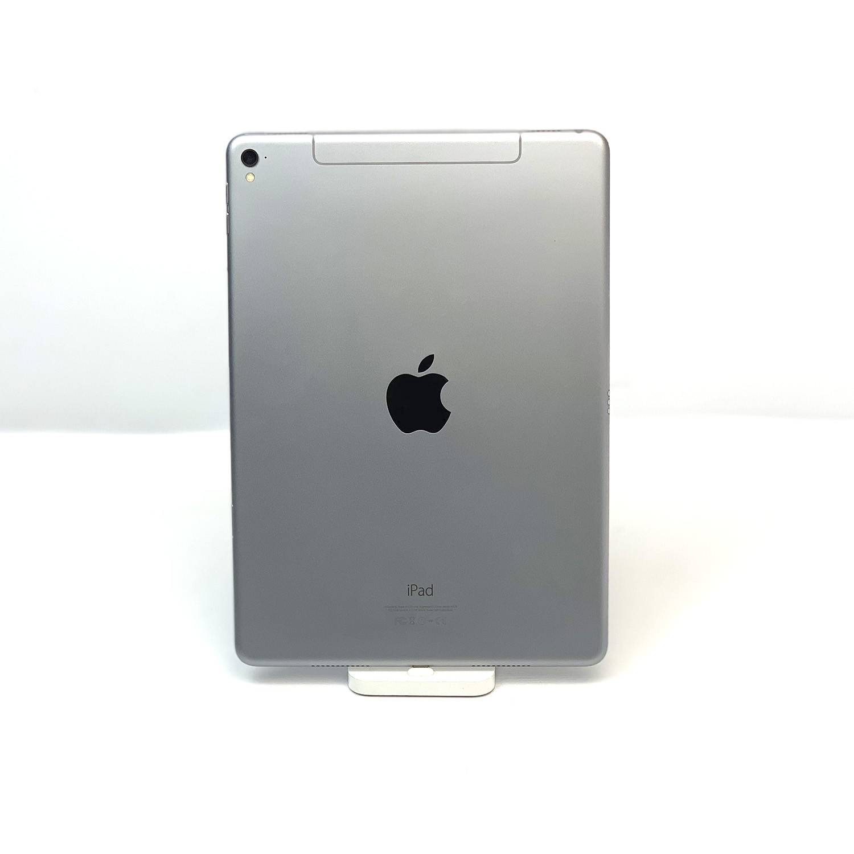 "iPad Pro 9,7"" Space Gray 128GB MLPX2LL/A Seminovo"