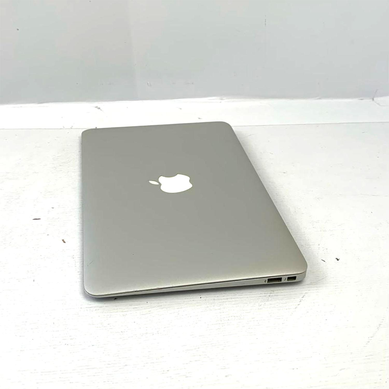 Macbook Air 11 i5 1.3Ghz 4GB 256GB SSD MD711LL/A Seminovo