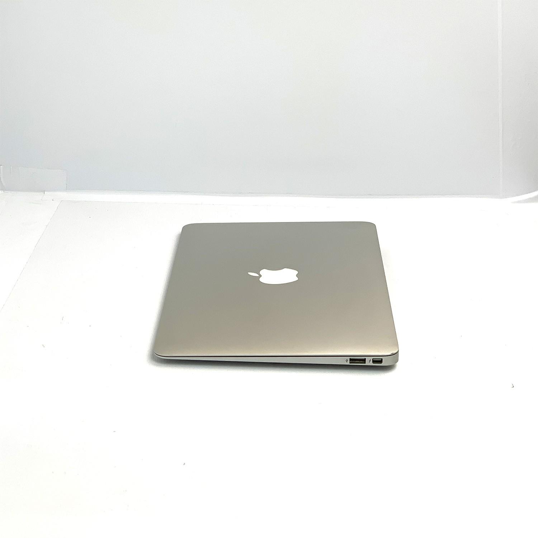Macbook Air 11 i5 1.4Ghz 4GB 128GB SSD MD711LL/B Recertificado