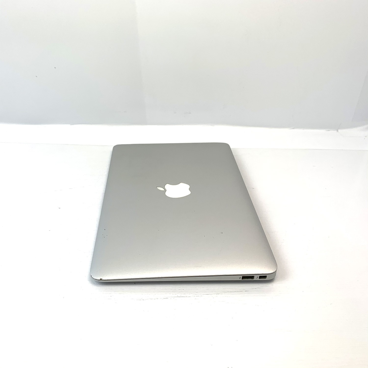 Macbook Air 11 i5 1.7Ghz 4GB 256GB SSD MD223LL/A Seminovo