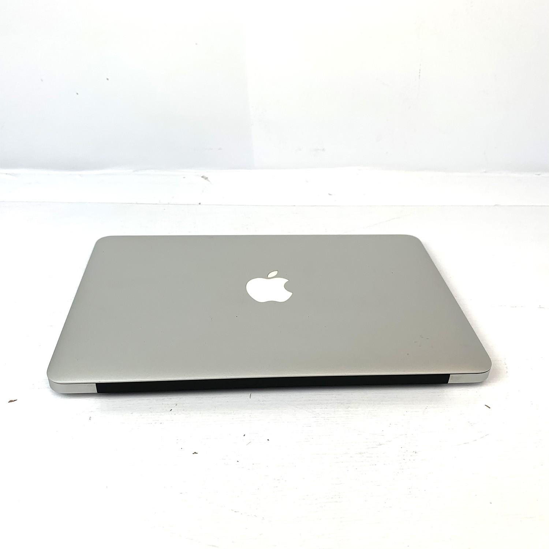 Macbook Air 11 i7 2.0Ghz 8GB 512gb SSD MD845LL/A Seminovo